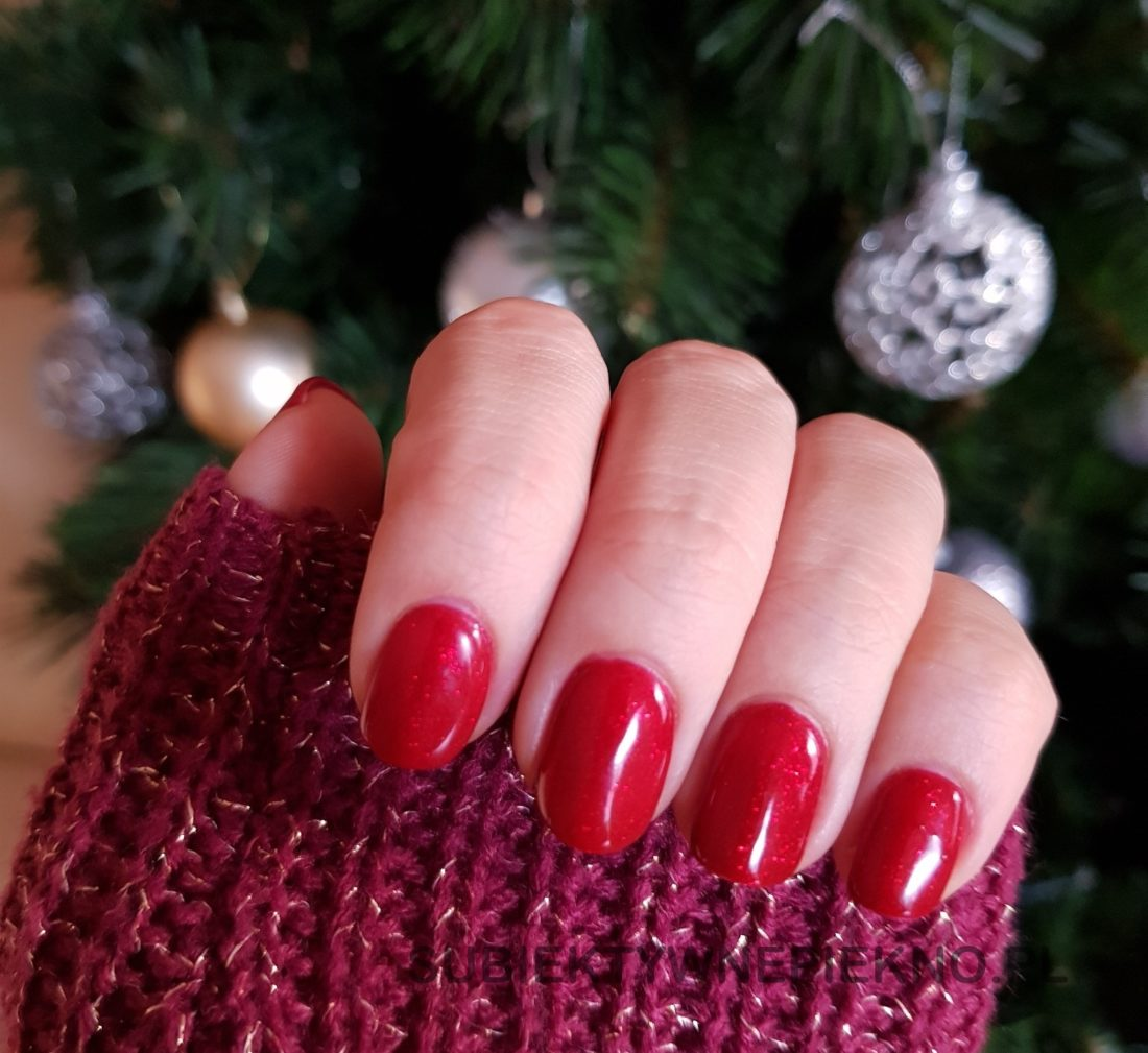 Indigo Catwalk Glitter - piękna czerwień z drobinkami na święta i sylwestra