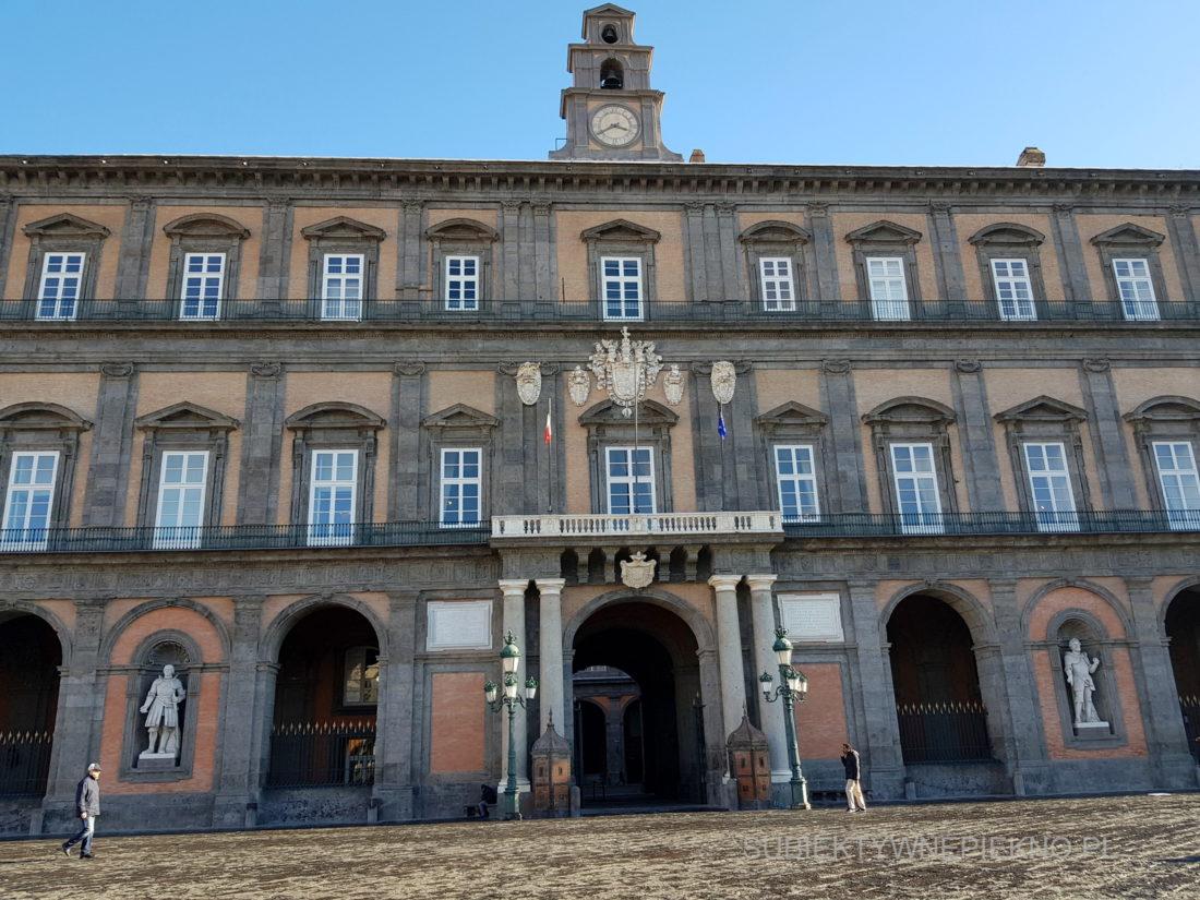 Neapol Włochy - Pałac Królewski w Neapolu. Palazzo Reale di Napoli