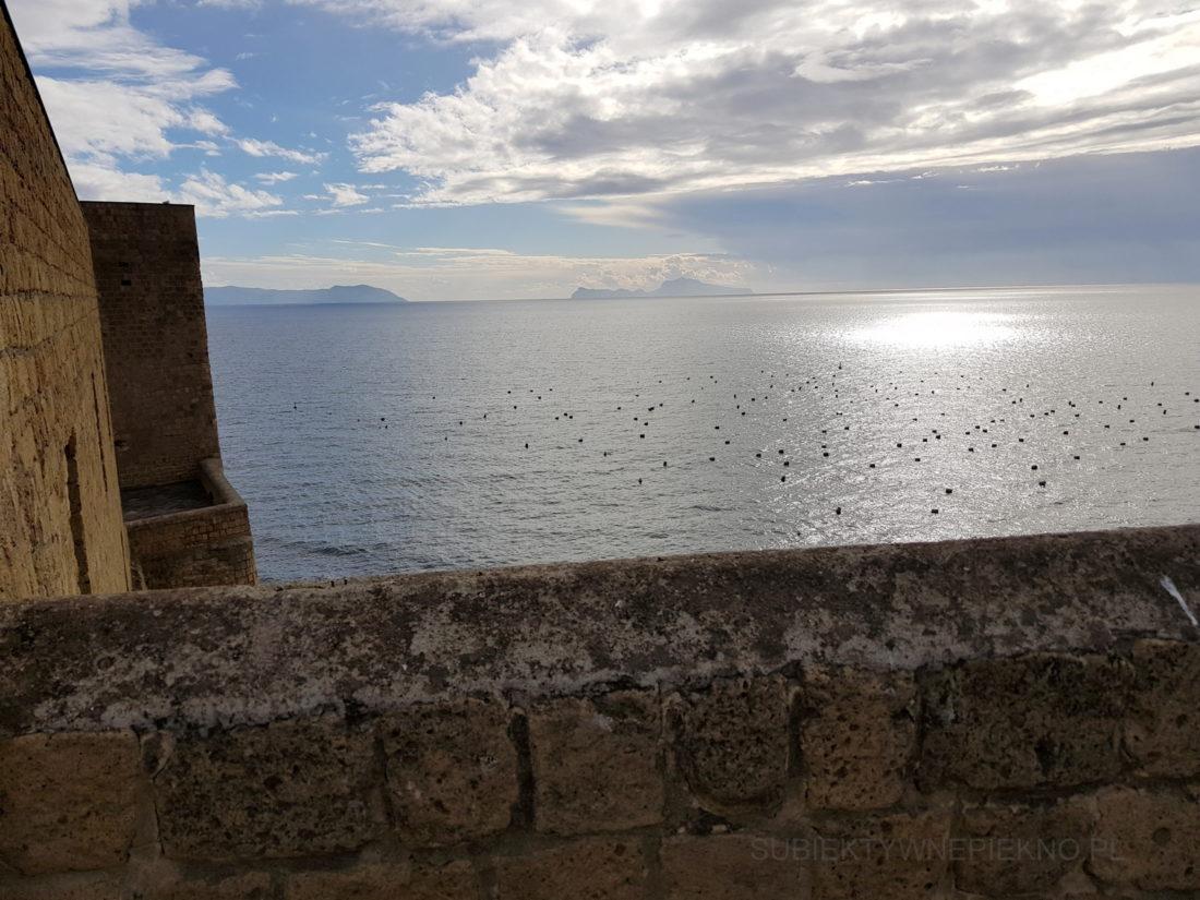 Neapol Włochy Zamek Jajeczny. Castel dell'Ovo widok