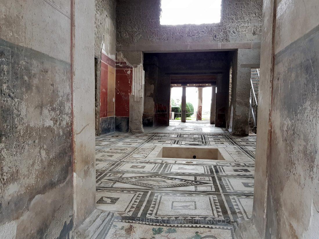Pompeje koło Neapolu. Zwiedzanie ruin starożytnego miasta łaźnie