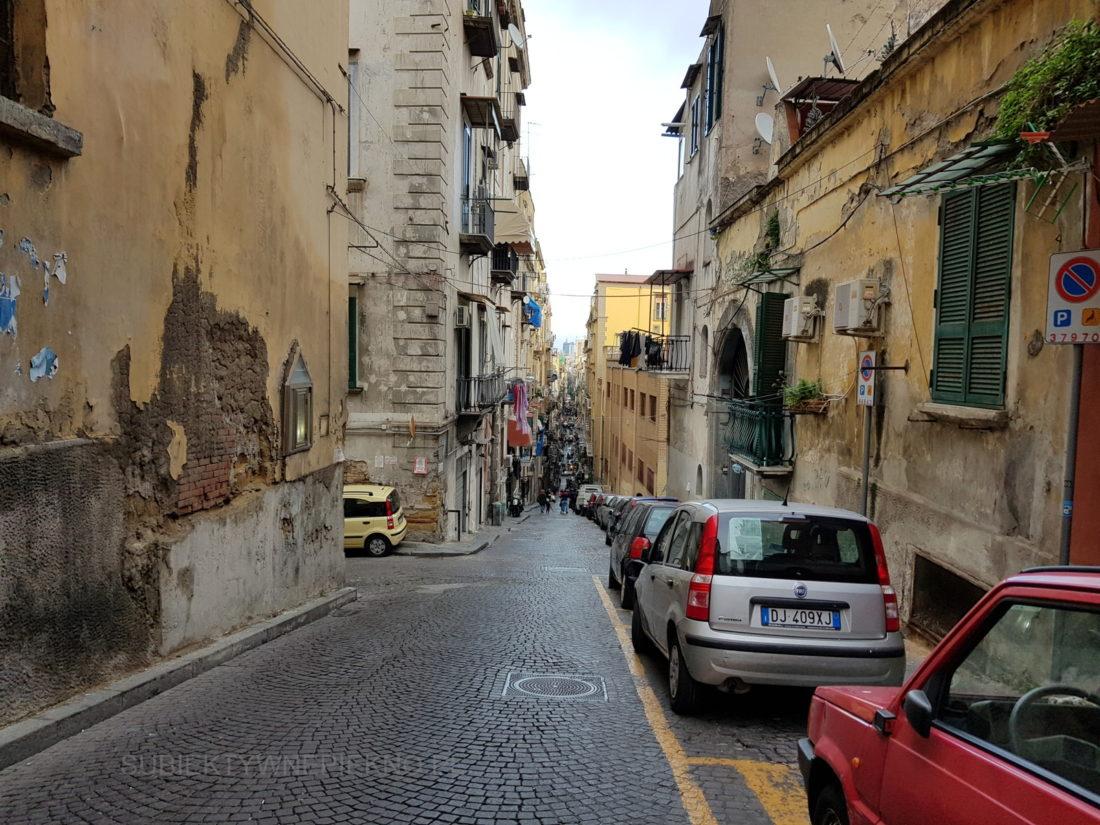 Urok Neapolu - wąskie uliczki