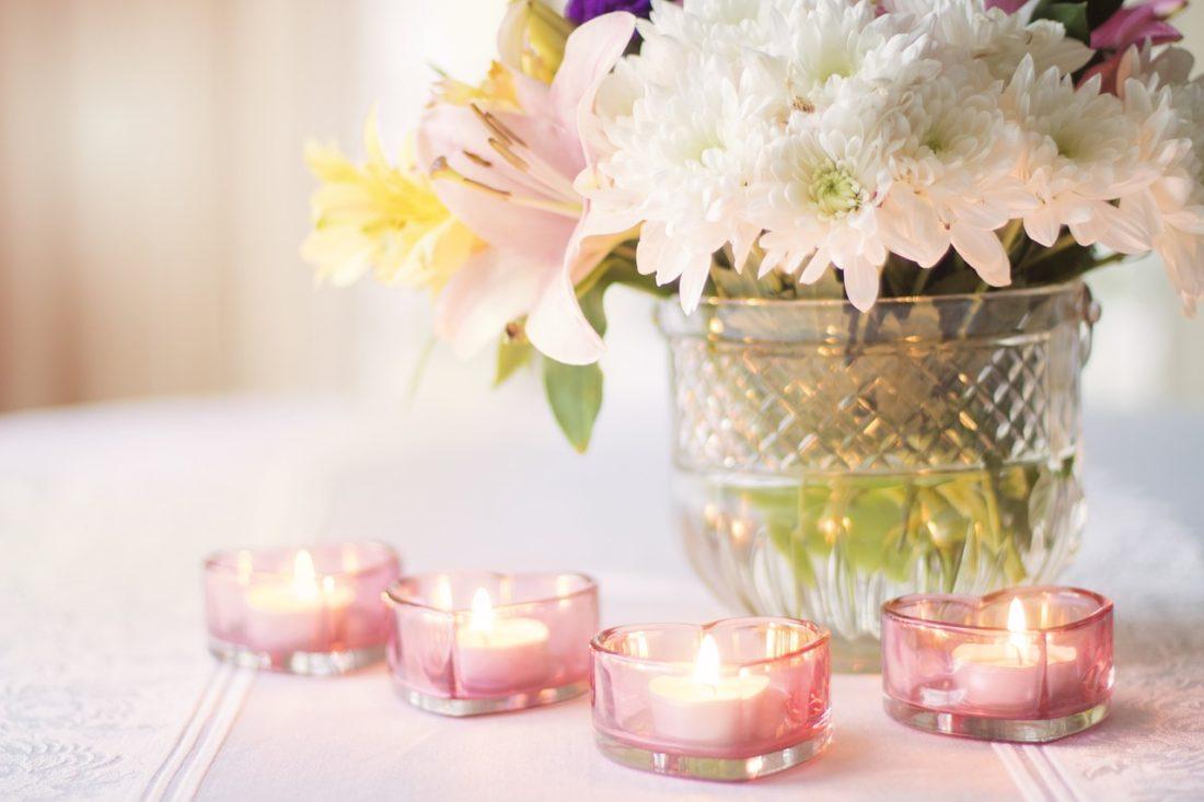 Co na ślub zamiast kwiatów?   5 uniwersalnych pomysłów na prezent dla młodej pary
