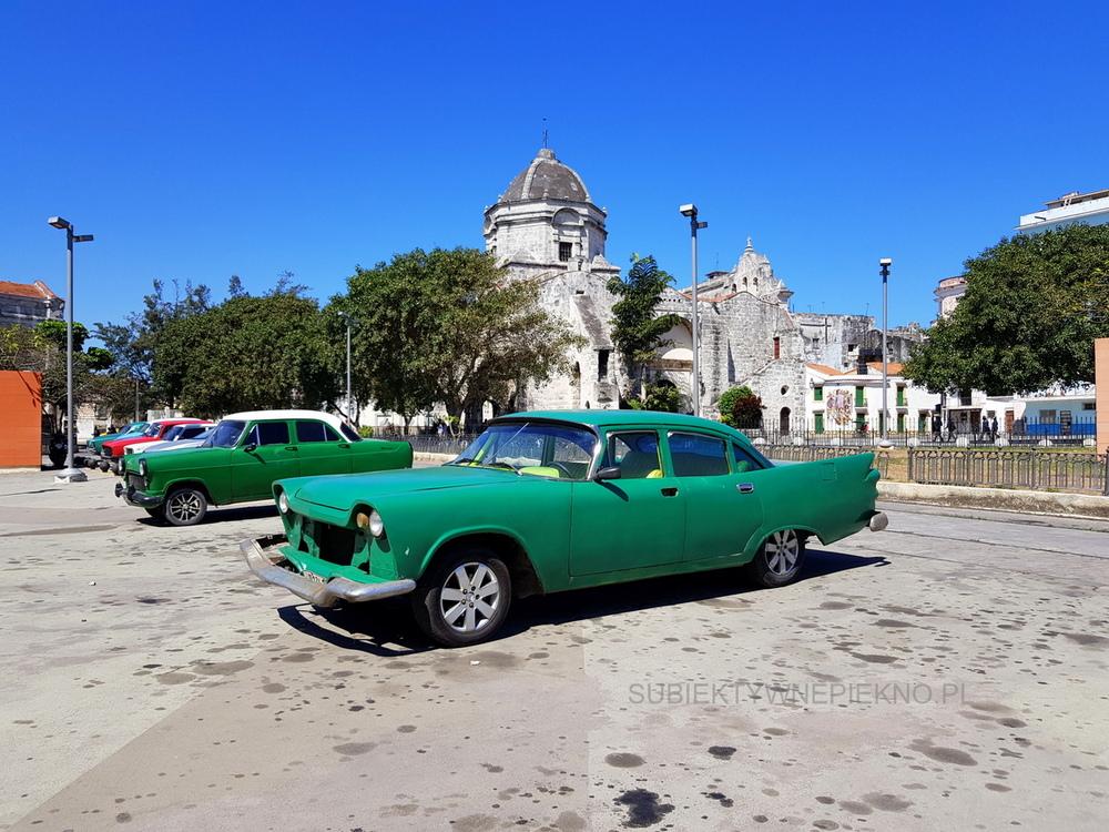 Kuba Hawana co warto zobaczyć? Stare kabriolety i auta na ulicach